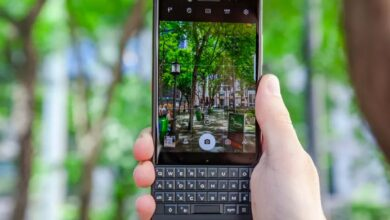 Photo of BlackBerry phones are back from the dead — with a real keyboard and 5G